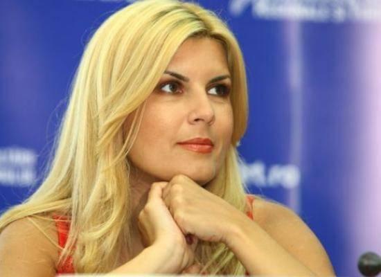 Elena Udrea demisionează de la conducerea PDL Bucureşti, în urma dezastrului electoral din capitală