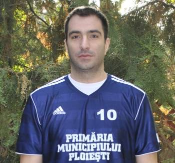 """Alexandru Dimache este unul dintre """"tunarii"""" Ligii Naţionale de handbal"""