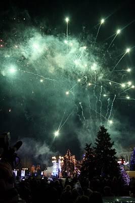 Astăzi se aprind luminile de sărbători în Ploieşti