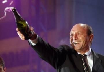 Băsescu – Revelion la Predeal, Ponta – la Cornu
