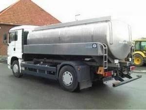 Avea 25 de tone de combustibil în cisternă şi conducea băut