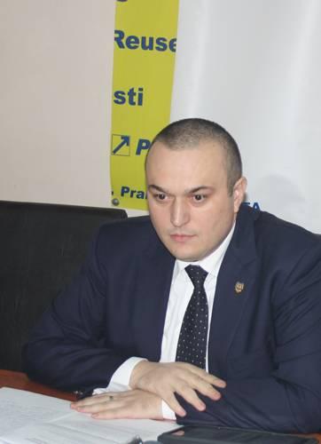 PLOIEŞTI/Primarul Iulian Bădescu – asaltat cu tot felul de cereri. Află ce vor ploieştenii de la noul edil