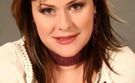 Mălina Olinescu a murit. Se pare că artista s-a sinucis