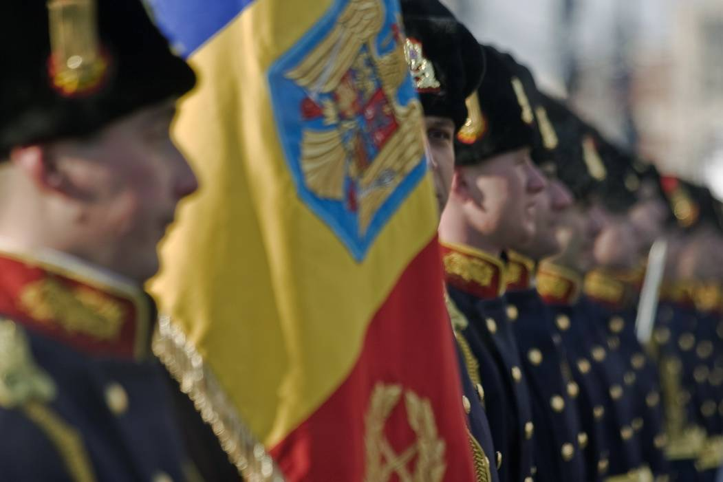 Paradă militară şi 3.000 de porţii de fasole cu cârnaţi la Ploieşti, de 1 Decembrie
