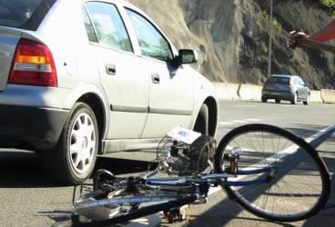 Caz şocant în Vărbilău. Un bărbat a murit după ce a căzut de pe bicicletă