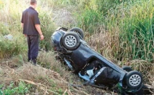 Accident pe DN1A. O maşină s-a răstunat