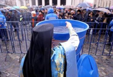Bobotează în siguranţă. 40 de jandarmi în misiune la bisericile din Ploieşti