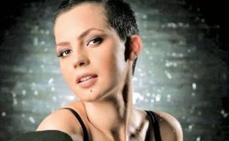Actriţa prahoveană Maria Dinulescu a plecat în SUA. Ea se va stabili în Los Angeles