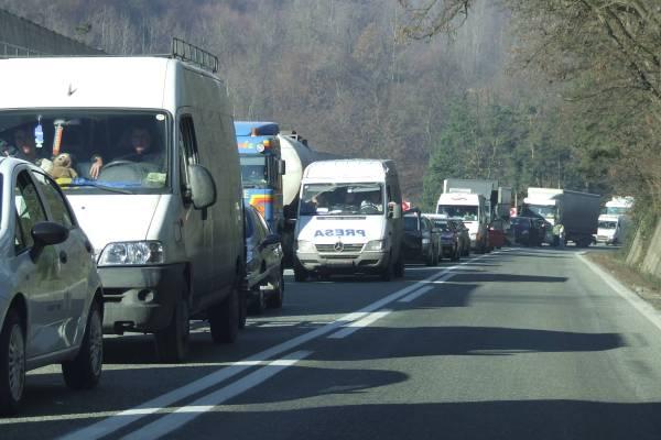 Trafic restricţionat pe DN1A, în zona Măneciu – Cheia