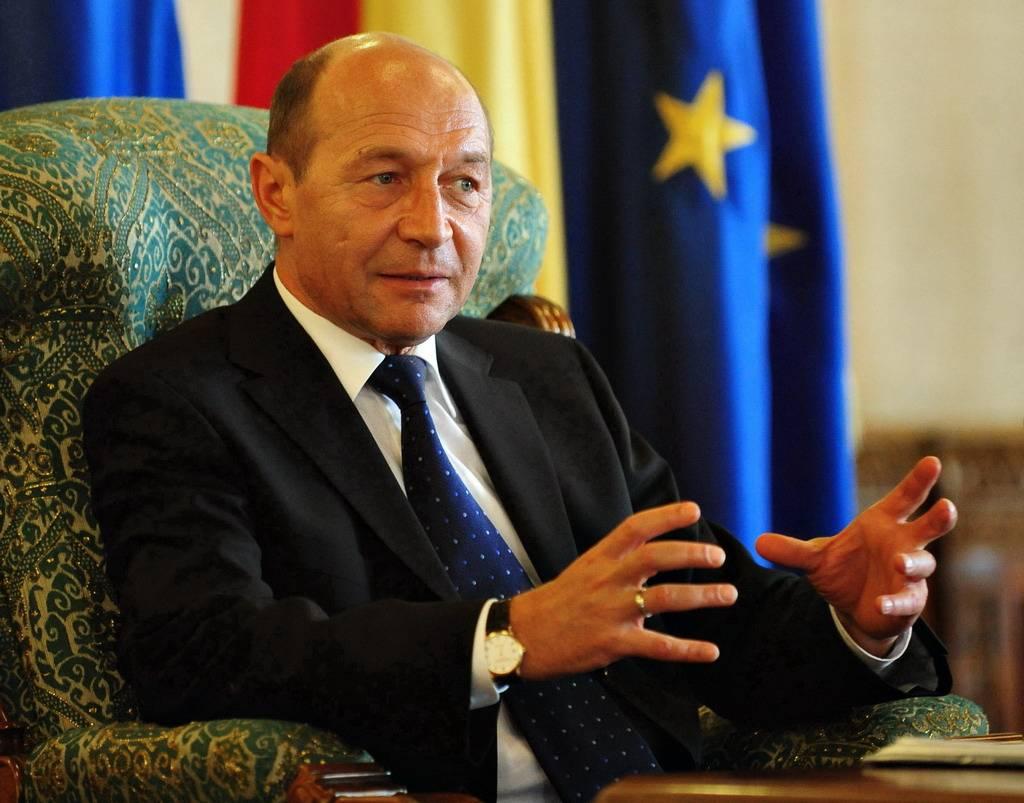 Traian Băsescu cere rediscutarea cazurilor Borbely şi Dobre, de către Camera Deputaţilor