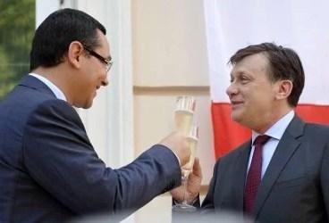 Victor Ponta şi Crin Antonescu s-au împăcat
