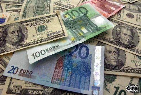 Analiza Noble Securities: Dolarul american- scăderi pe toată linia faţă de monedele din UE