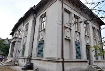 Clădire de pe Bulevard – posibil nou simbol pentru municipiul Ploieşti