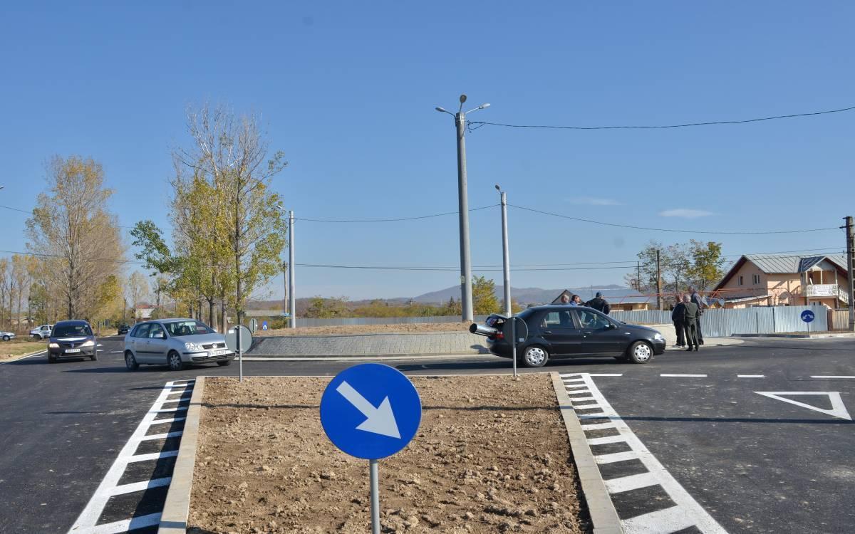 Investiţii în Prahova: sens giratoriu la Dumbrăveşti şi parc fotovoltaic în Bălţeşti