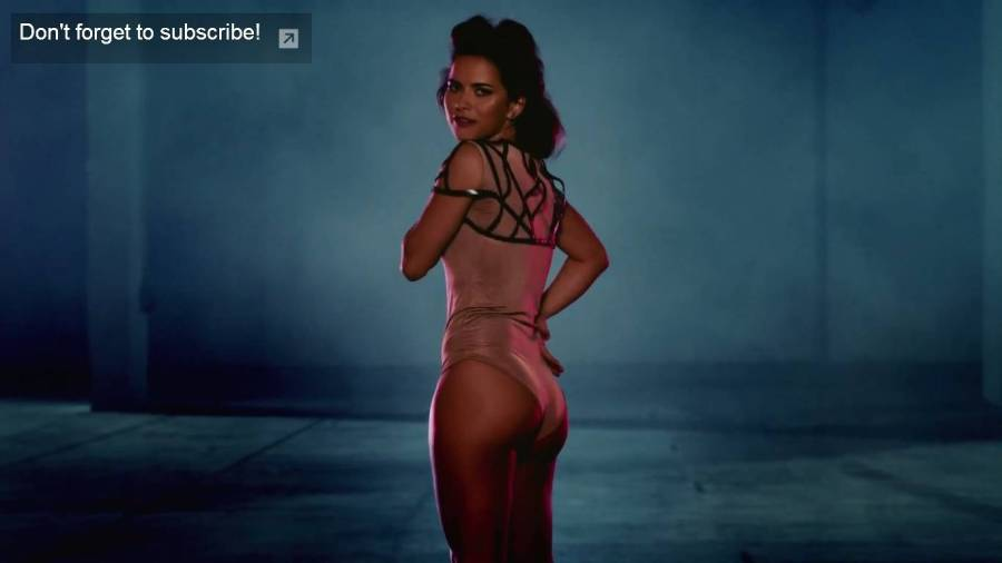 "INNA, super sexy în noul clip, ""In your eyes"""