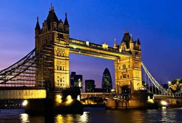 Află ce trebuie să faci pentru a studia la universitate în Marea Britanie!