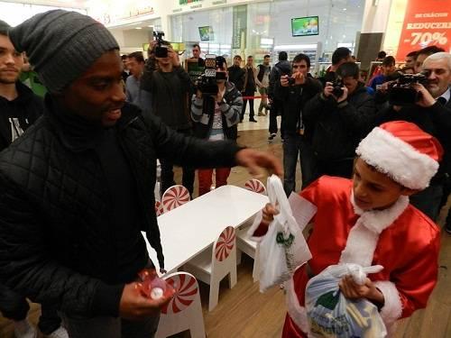 FC Petrolul a făcut un gest de suflet pentru copiii defavorizați la Ploiești Shopping City