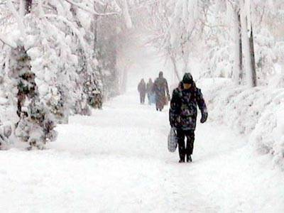 Se strică vremea. Avertizare de vânt puternic, ninsoare şi ger