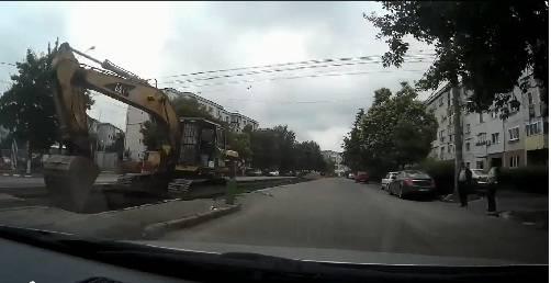 VIDEO – Cum se lucrează pe strada Mihai Bravu
