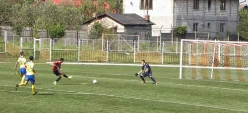 Bogdan_Chipriliu_marcheaza_pentru_2-0_cu_Olimpia_Satu_Mare_sportcampina