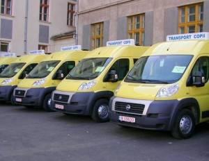 Microbuze şcolare pentru elevii din Lipăneşti, Dumbrăveşti şi Izvoarele