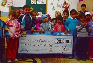 Clienţii şi angajaţii LIDL au strâns 100.000 lei pentru copii