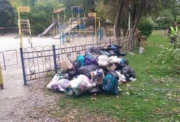 Ploieştiul – îngropat în gunoaie. Reacţia primarului Adrian Dobre