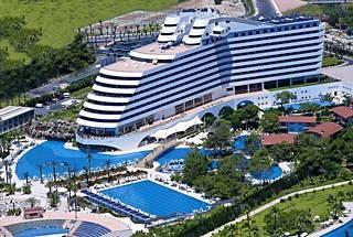 Titanic_Beach_Resort_Lara_1_www.ofertelitoralturcia.ro