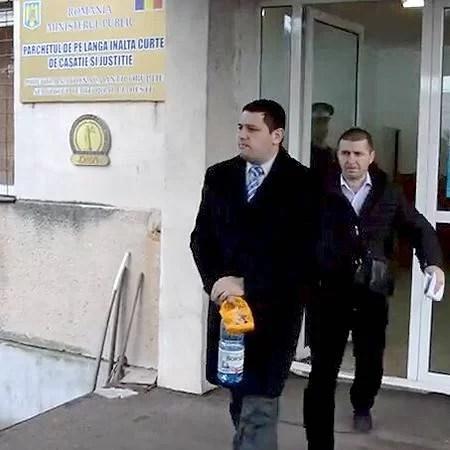 Consilierul local Ionuţ Ionescu reţinut de DNA pentru şpăgi în proiectul canalizării oraşelor prahovene