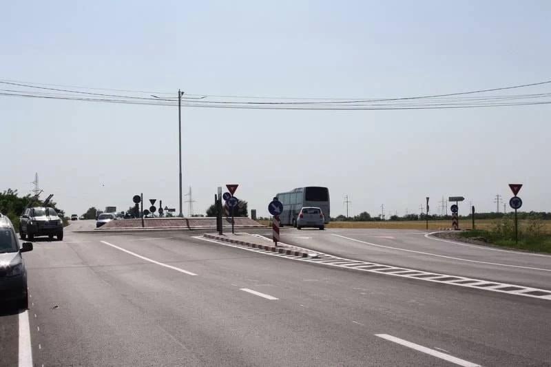Sensurile giratorii de pe DN1B, din Bucov, sunt gata. Cum arată