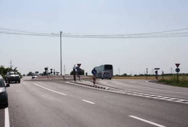 Un nou sens giratoriu pe DN1B, între Bucov şi Valea Călugărească