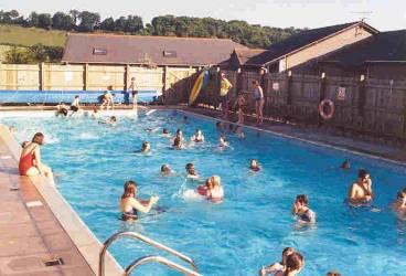 Ce-au descoperit inspectorii OPC la ştrandurile şi piscinele din Prahova