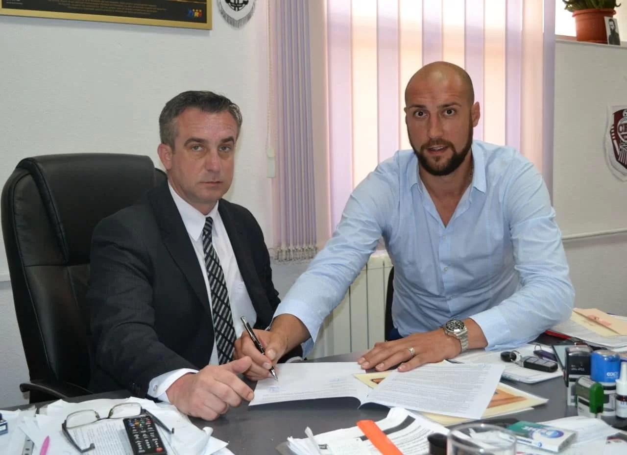 """Marele campion se întoarce pe parchetul de la """"Olimpia"""". Cătălin Burlacu a semnat cu CSM Ploiești!"""