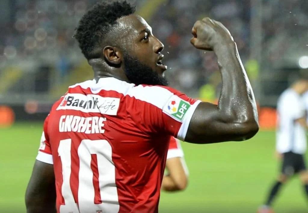 Campioana en-titre a fotbalului autohton, făcută praf pe propriul teren! Dinamovistul Gnohere i-a marcat trei goluri Astrei