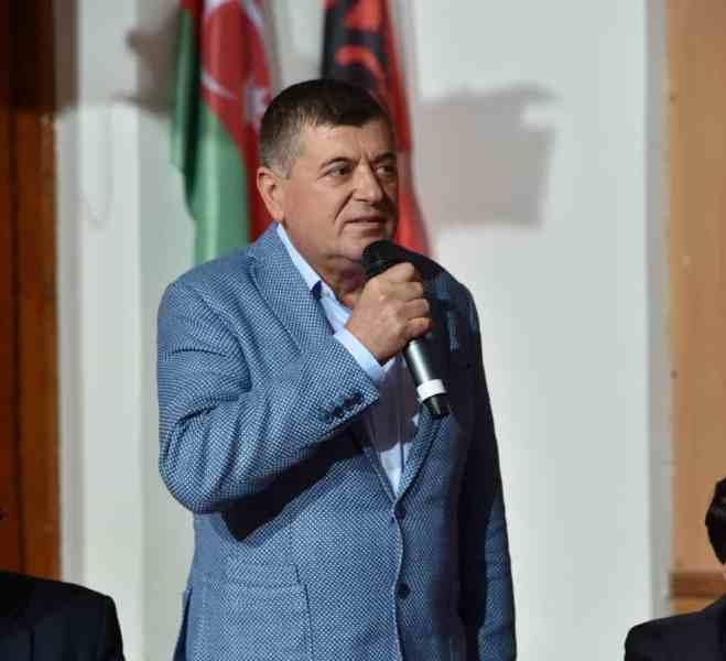 Emanoil Savin, primarul oraşului Buşteni, şi-a lansat candidatura la Senat din partea PSD
