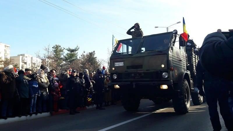 Paradă militară şi fasole cu cârnaţi de 1 Decembrie, la Ploieşti