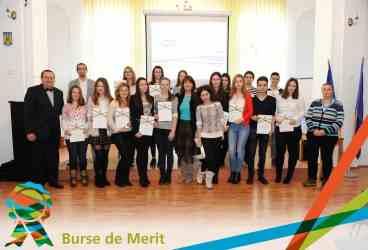 Premii de 1.500 de lei pentru cei mai buni elevi din Câmpina