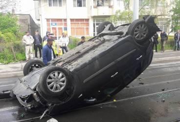 Maşină răsturnată la Mizil în urma unui accident