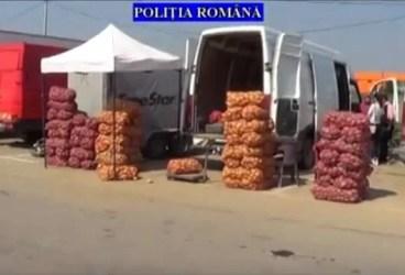 VIDEO – 4,5 tone de fructe şi legume confiscate de la comercianţii din Puchenii Mari