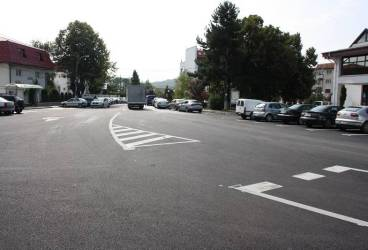 A început asfaltarea străzilor din Vălenii de Munte