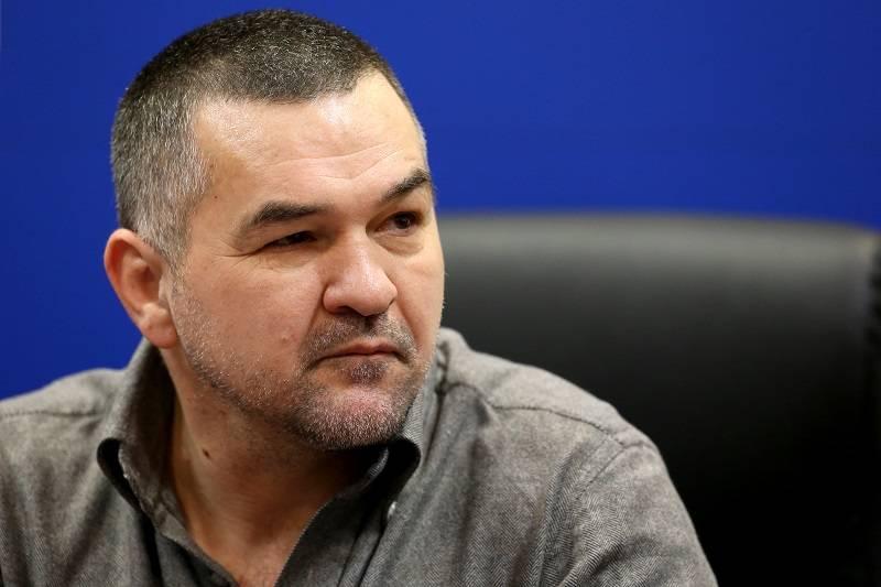 Leonard Doroftei vrea să plece din ţară după ce a fost somat să evacueze clădirea din centrul Ploieştiului în care are pub-ul