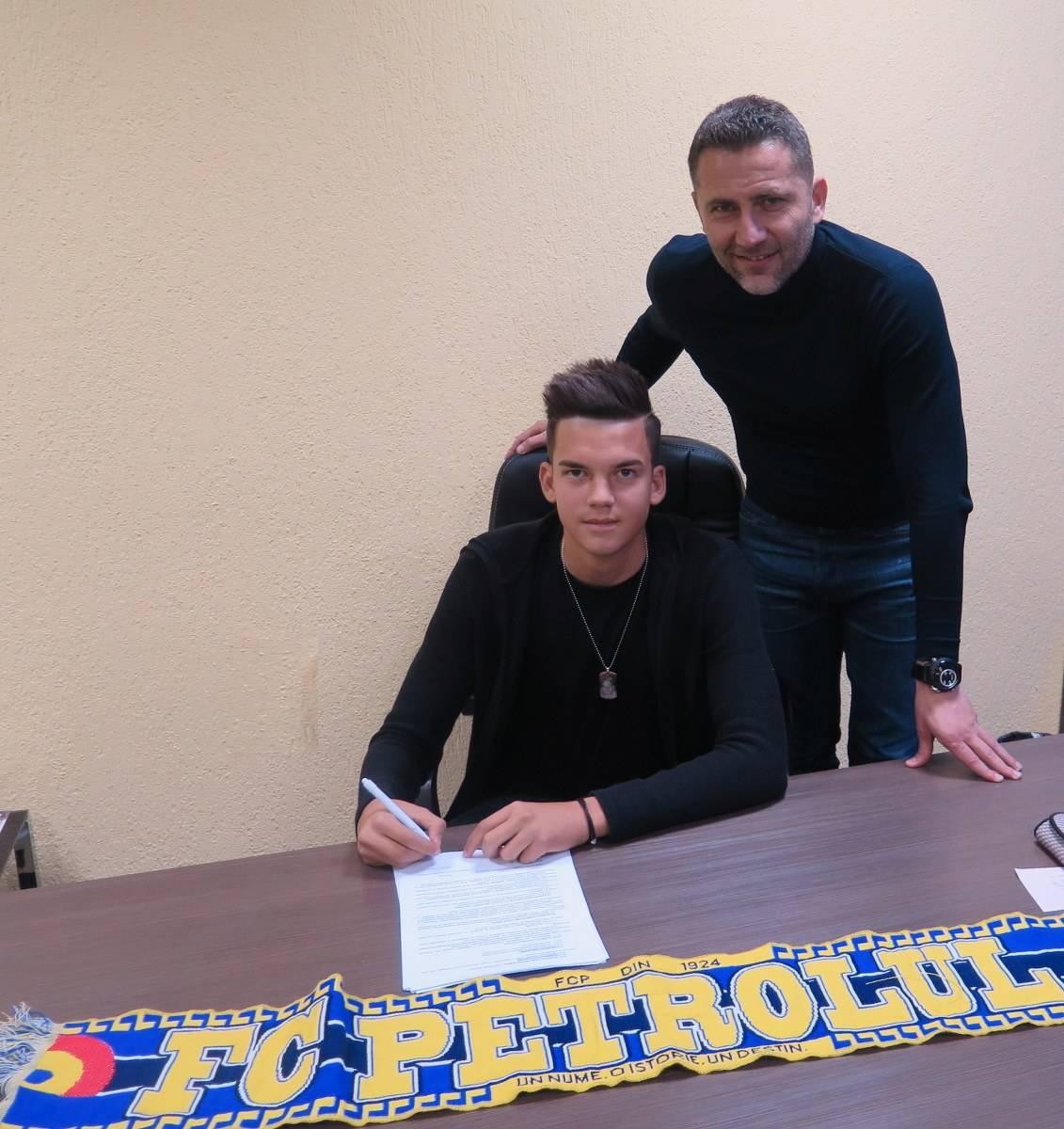 FC Petrolul a semnat și cu un fotbalist de viitor. Cârjan vine din aceeași serie, de la Viitorul Domnești