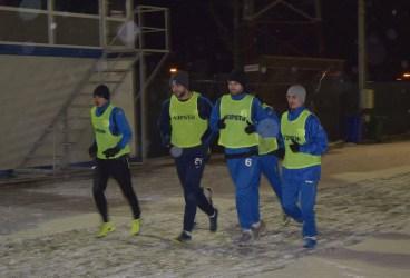 Campioana de toamnă a județului Prahova și-a reluat pregătirile pe ger și ninsoare, la… lumina reflectoarelor! S-a întors, la CS Blejoi, Bojoagă