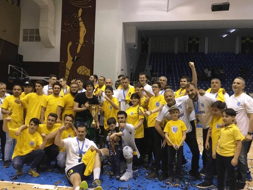 Au vrut să se aureoleze acasă campioni naționali și au reușit! Tricolorul LMV, a doua câștigătoare din Ploiești de prim eșalon al voleiului masculin