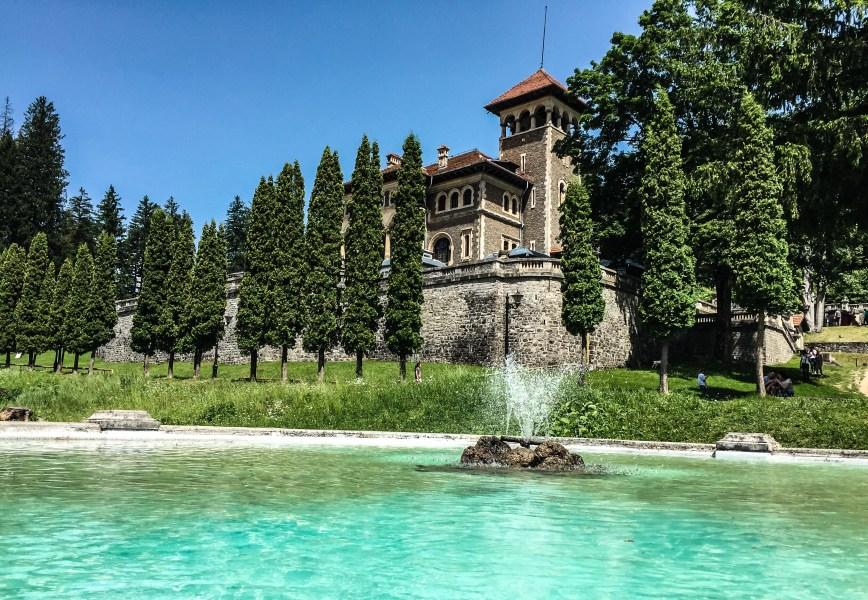 Un angajat al Castelului Cantacuzino din Buşteni s-a înecat în fântâna arteziană