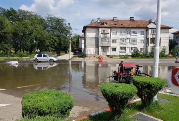 Lucrările la canalizarea din Bărcăneşti au fost autorizate în regim de urgenţă