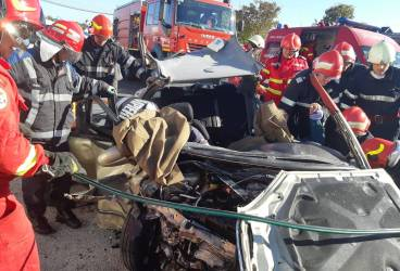 Accident groaznic pe DN 1, la Breaza, cu doi cetăţeni olandezi morţi şi alte şase victime rănite