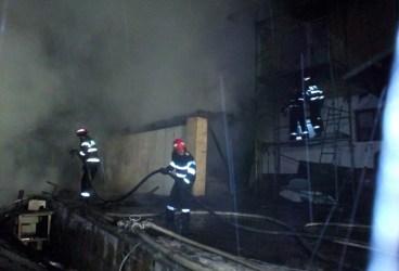 Incendiu generalizat la o casă din Talea