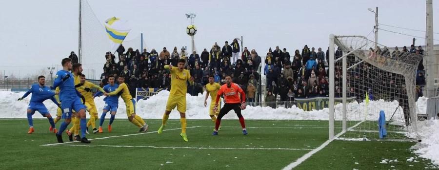 FC Petrolul – cei mai mulți fotbaliști împrumutați de la alte echipe. Strategia este bună pentru prezent!