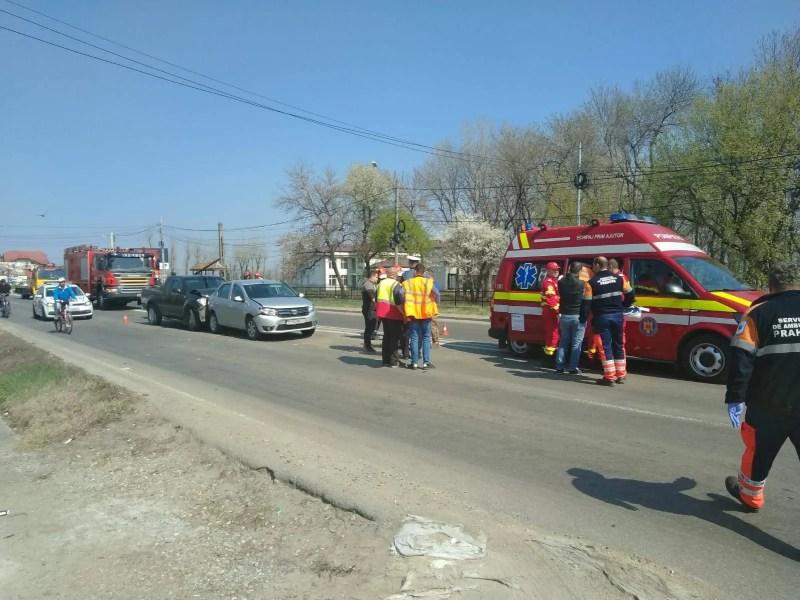 Accident carambol la Bărcănești